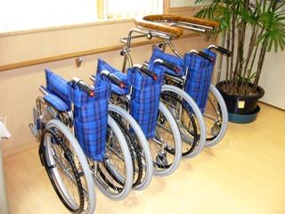 車椅子と歩行器